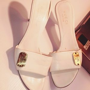 ( Vintage Gucci slides kitten heel gently used